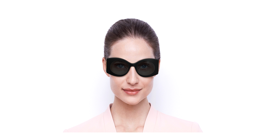 Lunettes de soleil femme GG0810S noir - Vue de face