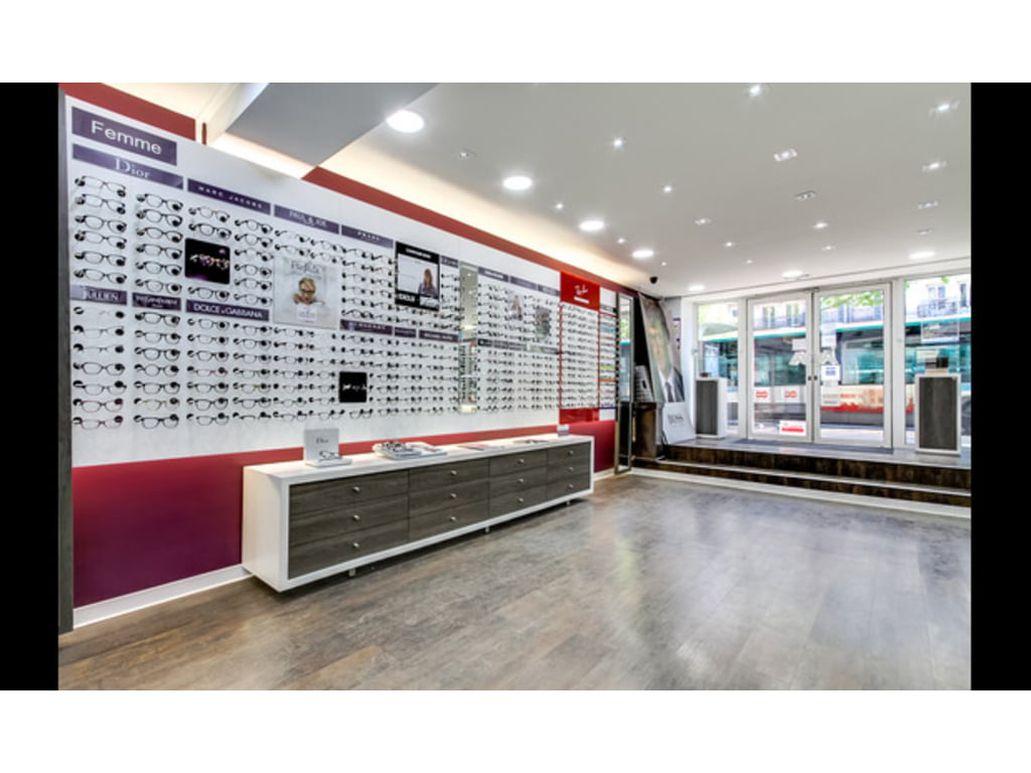 451d58544a4a0 Opticien ALAIN AFFLELOU PARIS 62 boulevard du Montparnasse. Pour une  question ou pour essayer vos lunettes