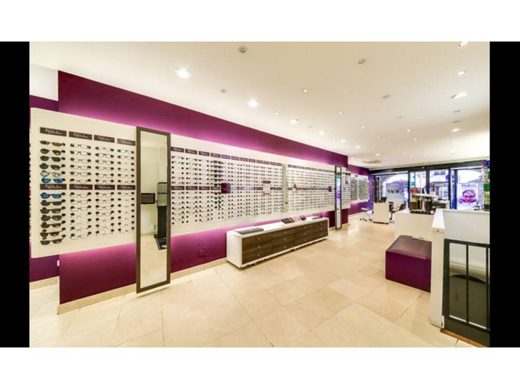 638090e5b2 Opticien ALAIN AFFLELOU REMIREMONT 4 rue Charles-de-Gaulle. Pour une  question ou pour essayer vos lunettes ? Quand vous voulez, vous choisissez !